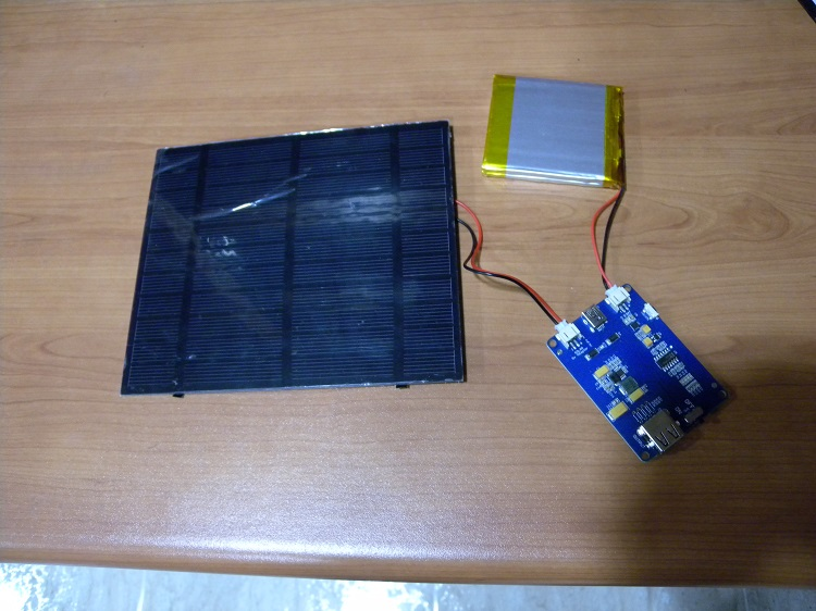 Solar panel with Lipo Rider Pro and battery